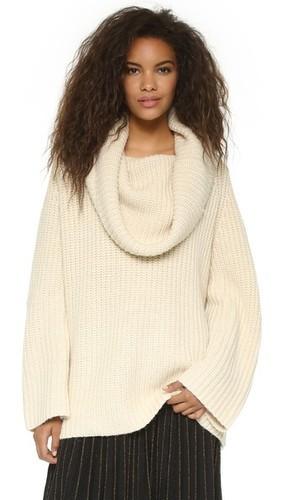 белый вязаный свитер