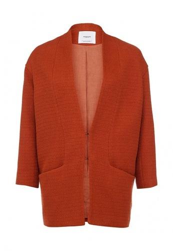 оранжевое женское пальто