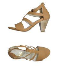 Босоножки на каблуке X Shoes