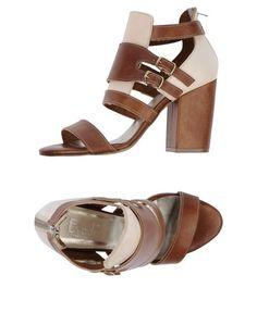 Босоножки на каблуке Evado