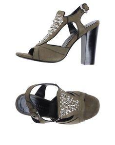 Босоножки на каблуке Barbara BUI