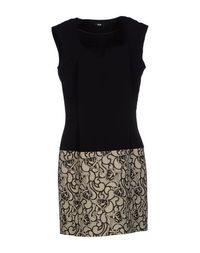 Короткое платье EXE