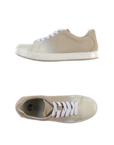 GEOX,купить итальянскую обувь,сайт ГЕОКС,интернет