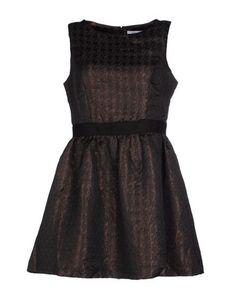 Короткое платье Lucy Paris