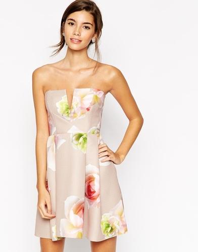 Стеганое платье с лифом-бандо и крупным цветочным принтом ASOS