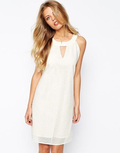 Платье с каплей спереди
