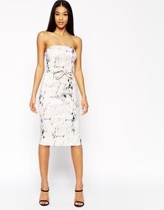 Платье-футляр бандо с мраморным принтом ASOS - Мульти