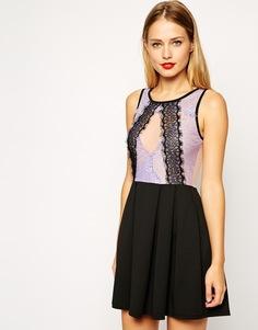 Короткое приталенное платье из кружева с пышной юбкой ASOS