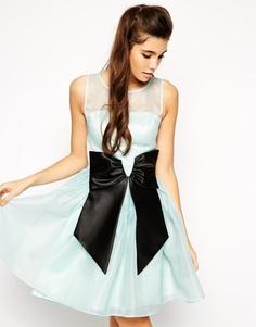 Приталенное платье с бантом ASOS - Светло-голубой