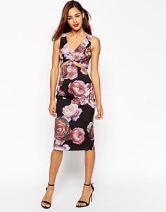 Платье-футляр с вырезами и темным цветочным принтом ASOS - Мульти