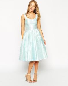 Жаккардовое платье на выпускной с цветочным рисунком и вырезом сердечк