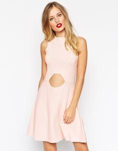Короткое приталенное платье с вырезом ASOS - Розовый