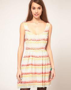 Короткое приталенное платье с пайетками ASOS - Мульти