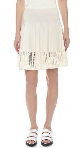 Расклешенная юбка с элементами из кружевного шитья