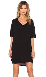 Свободное платье с v-образным вырезом - Bella Luxx