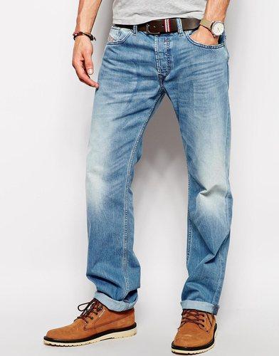 Умеренно выбеленные прямые джинсы Diesel Waykee 830Z