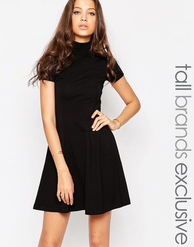 Короткое приталенное платье с высокой горловиной TTYA - Черный