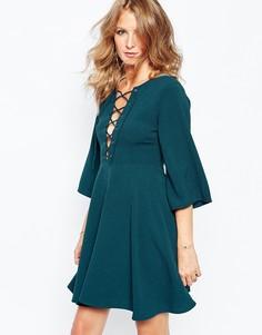 Платье с расклешенными рукавами и ремешками Millie Mackintosh