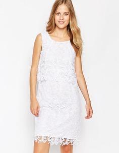 Платье с кружевным верхним слоем Soaked In Luxury - Pure white