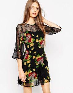 Приталенное платье с кружевной вставкой и цветочным принтом ASOS