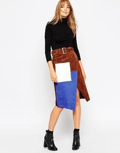 Замшевая юбка-карандаш в стиле колор блок с запахом ASOS - Коричневый