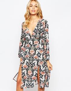 Платье миди со сплошным принтом и декольте Love - Multi tile print