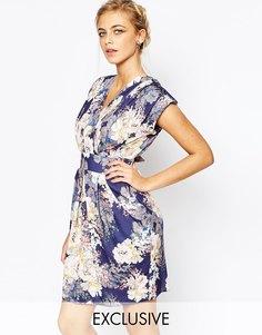 Платье-футляр с запахом и складками Closet - Темно-синий принт