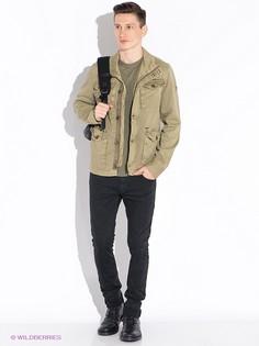 Куртки GUESS