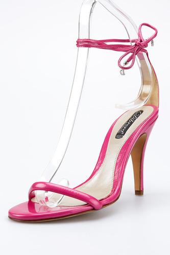 Босоножки на каблуках