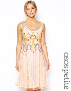 Свободное платье с вышивкой эксклюзивно для ASOS PETITE - Мульти