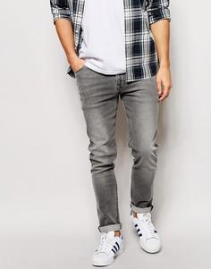 Зауженные джинсы с легким покрытием ASOS - Серый
