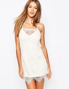 Кружевное платье мини Missguided - Телесный