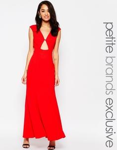 Платье макси c вырезом замочная скважина спереди Jarlo Petite - Красный