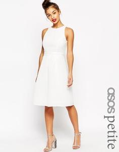 Пышное фактурное платье миди ASOS PETITE - Белый