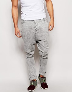 Мраморные джинсы с заниженным шаговым швом ASOS - Серый