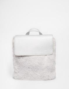 Серебристый рюкзак с отделкой из искусственного меха Skinnydip - Серебряный