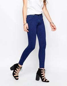 Синие джинсы скинни с классической талией Just Female - Синий