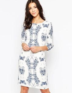 Цельнокройное платье с рукавами 3/4 и принтом Ichi - Светлый кобальтово-синий