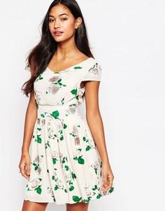 Платье с короткими рукавами и принтом розы Iska - Кремовый