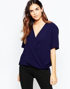 Блузка с запахом, драпировкой и коротким рукавом ASOS - Темно-синий