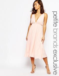 Приталенное платье миди с глубоким вырезом True Decadence Petite - Телесный