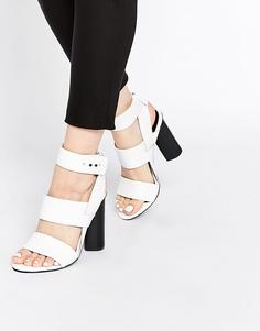 Белые кожаные сандалии на блочном каблуке Senso Xander - Белый