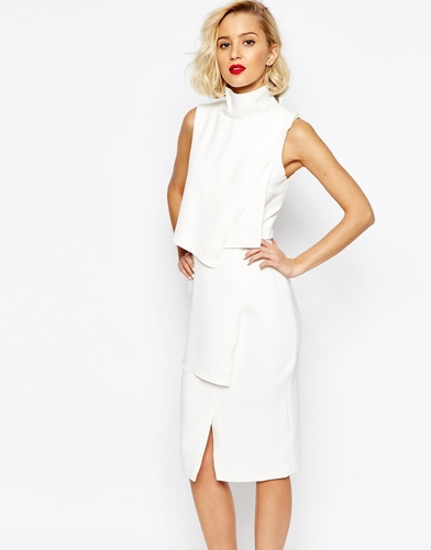 Платье миди с укороченной отделкой и высоким воротом Lavish Alice - Белый