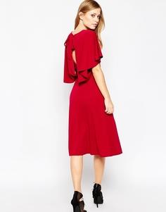 Платье миди из крепа с кейпом сзади ASOS - Ягодный