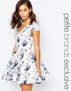 Короткое платье со свободной юбкой и принтом True Decadence Petite - Сиреневый