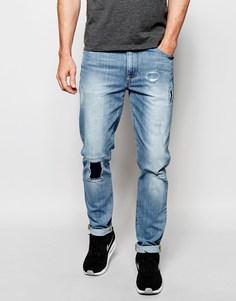 Светлые джинсы скинни с рваными коленями и заплатками ASOS - Умеренный синий