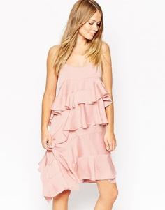 Атласное платье с каскадной драпировкой Needle & Thread - Розовый