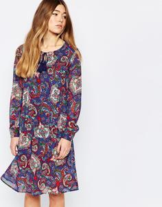 Свободное платье с удлиненной спинкой и принтом пейсли Diya - Blue paisley print