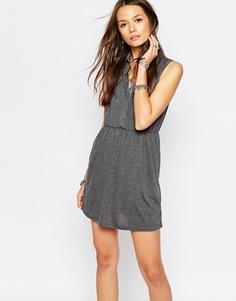 Платье в стиле милитари Vero Moda - Светло-серый меланж