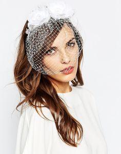 Обруч для волос с цветами и вуалеткой Neve & Eve - Белый